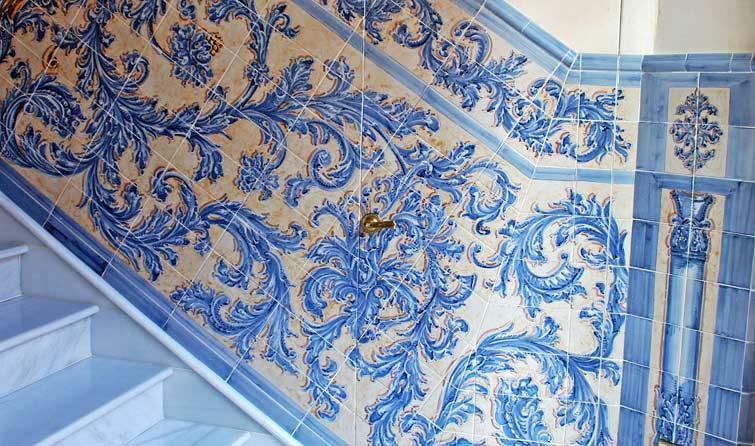 Cer mica taller de cer mica azulejos retablos murales for Azulejo para pared de sala